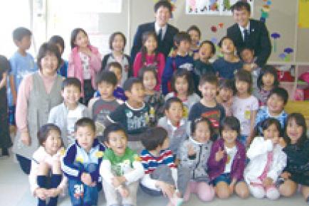 子供施設へのお菓子の寄贈